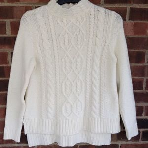 NWT Kensie white cable kit sweater size S